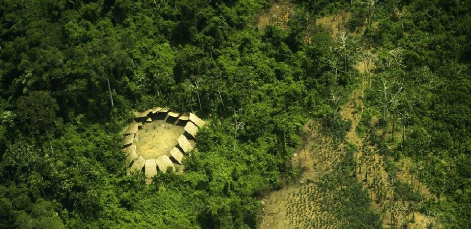 قرية للقبيلة داخل الأمازون