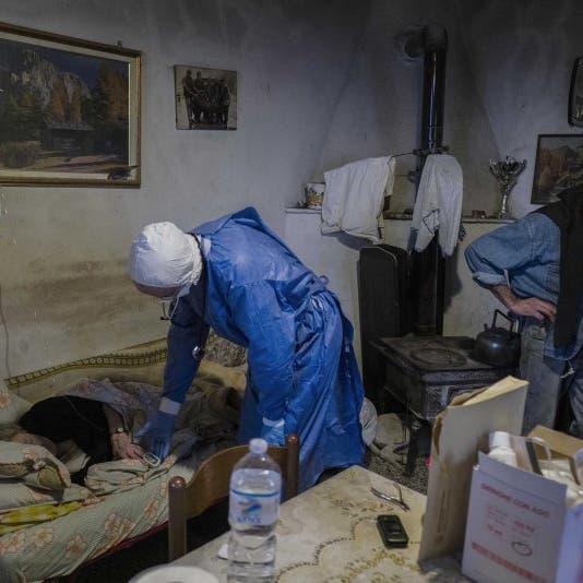 """طبيب إيطالي """"صنع الفرق"""".. يقرع أبواب المصابين بكورونا"""