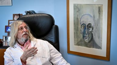الطبيب المشاكس يفاجئ العالم: الوباء سيختفي في الربيع