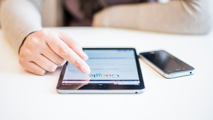 غوغل تنافس آبل.. والبحث في آيفون يكلفها 12 ملياراً!