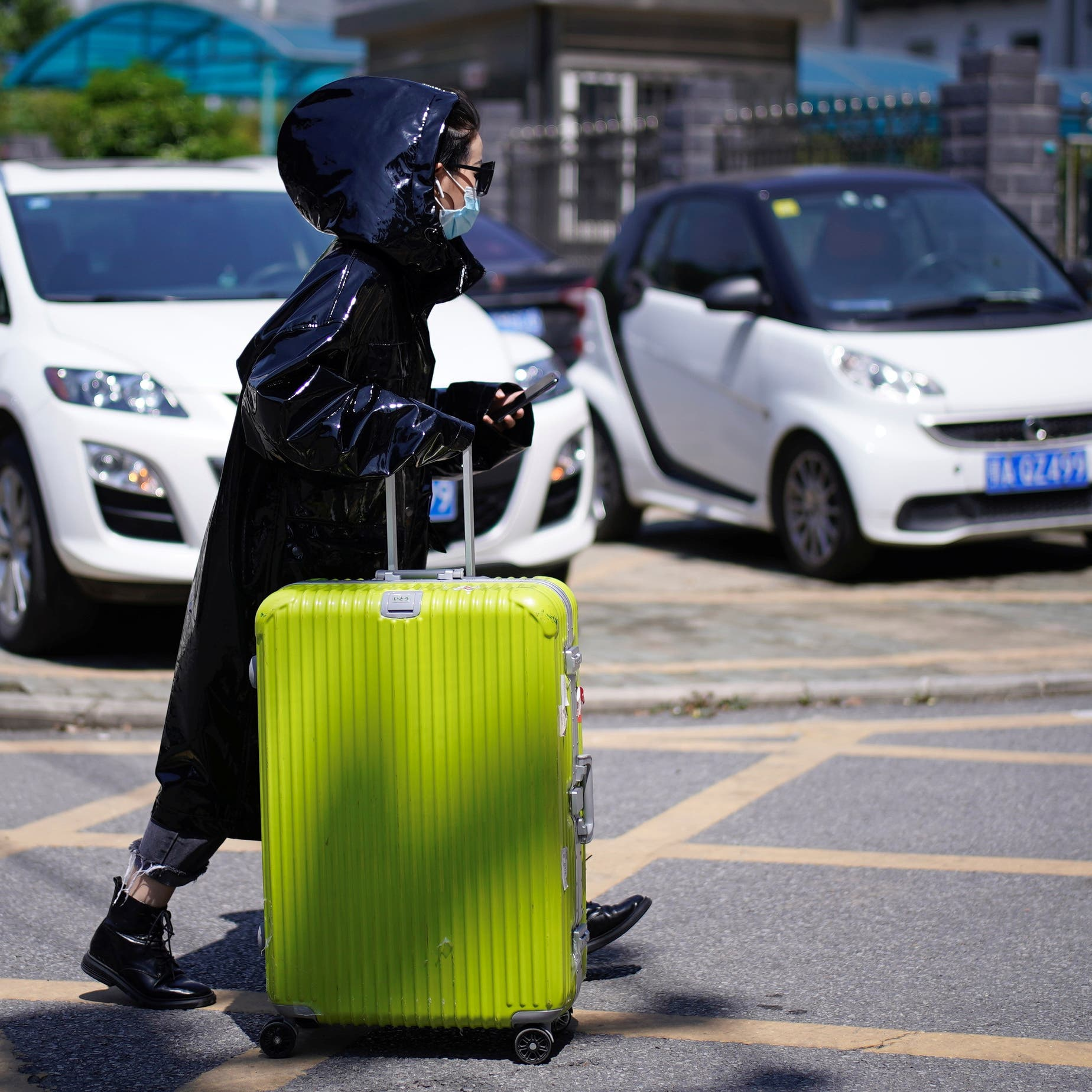 خوفاً من غدر الوباء.. الصين تكثف فحص مغادري ووهان