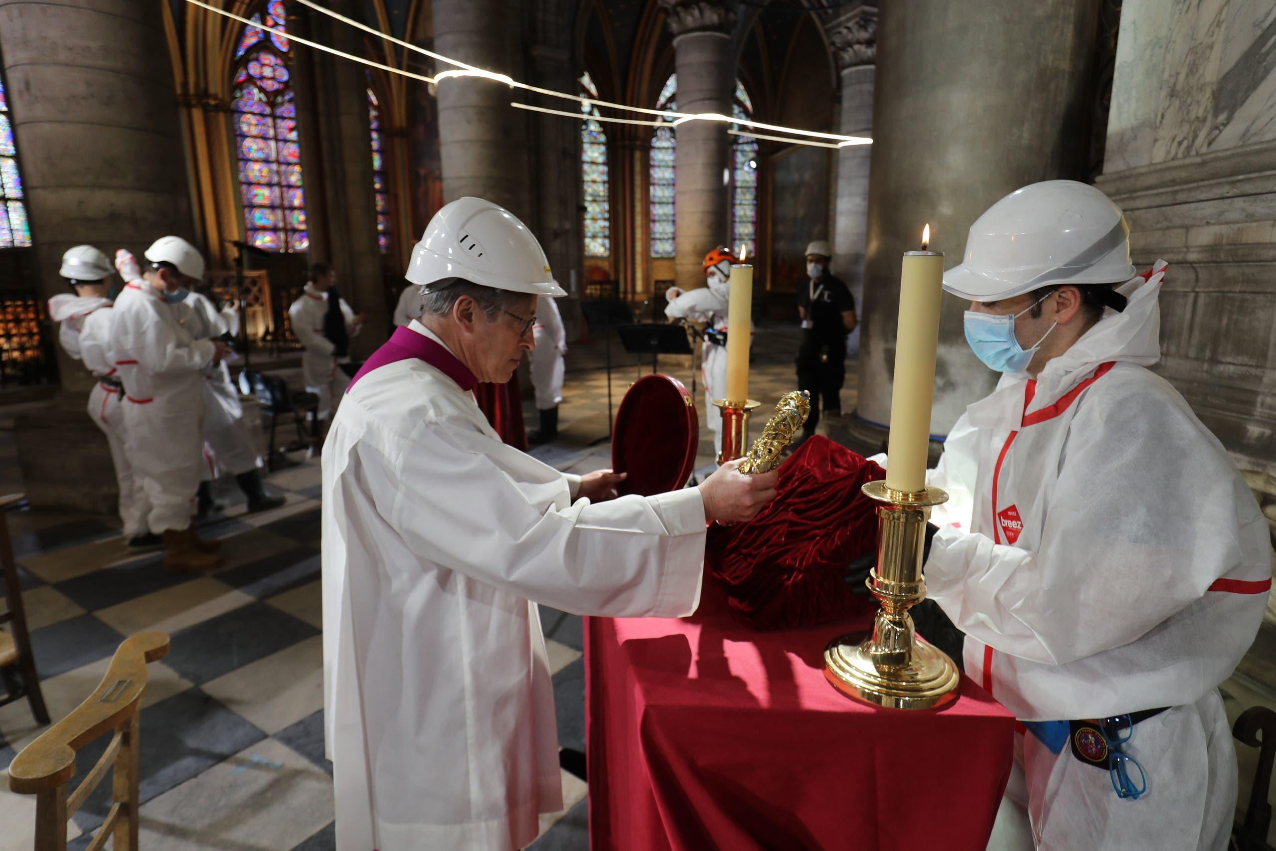 من القداس الذي أقيم الجمعة داخل الكاتدرائية