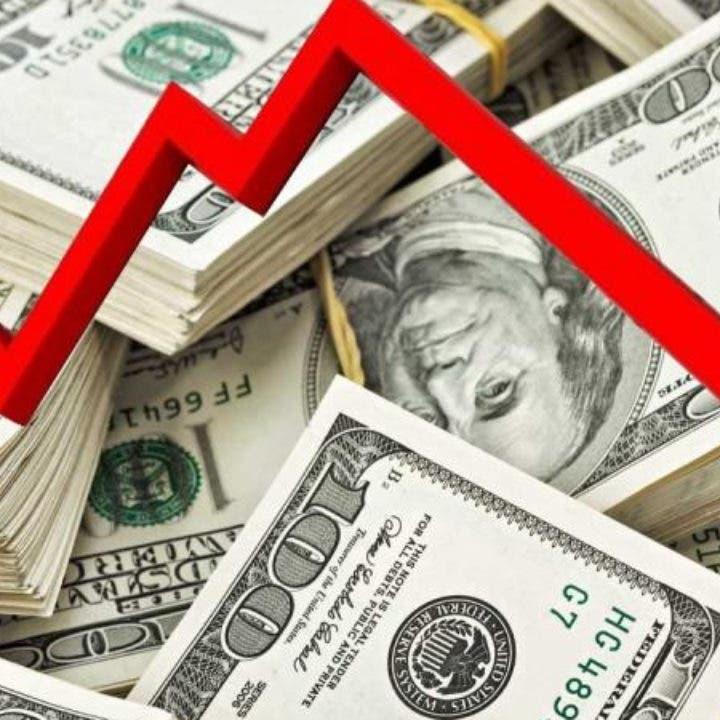 الحذر يخيم على الدولار قبيل الانتخابات الأميركية