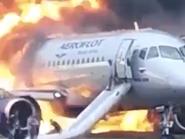 شاهد طائرة روسية تحترق وتقتل 19 شخصا