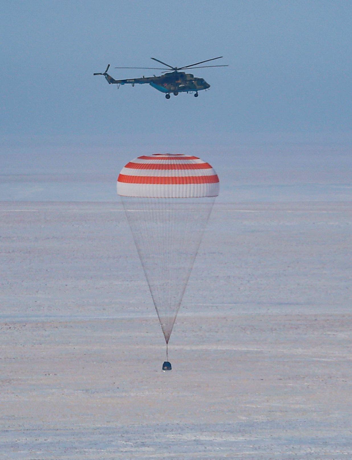 رائد فضاء يعود إلى الأرض (فرانس برس)