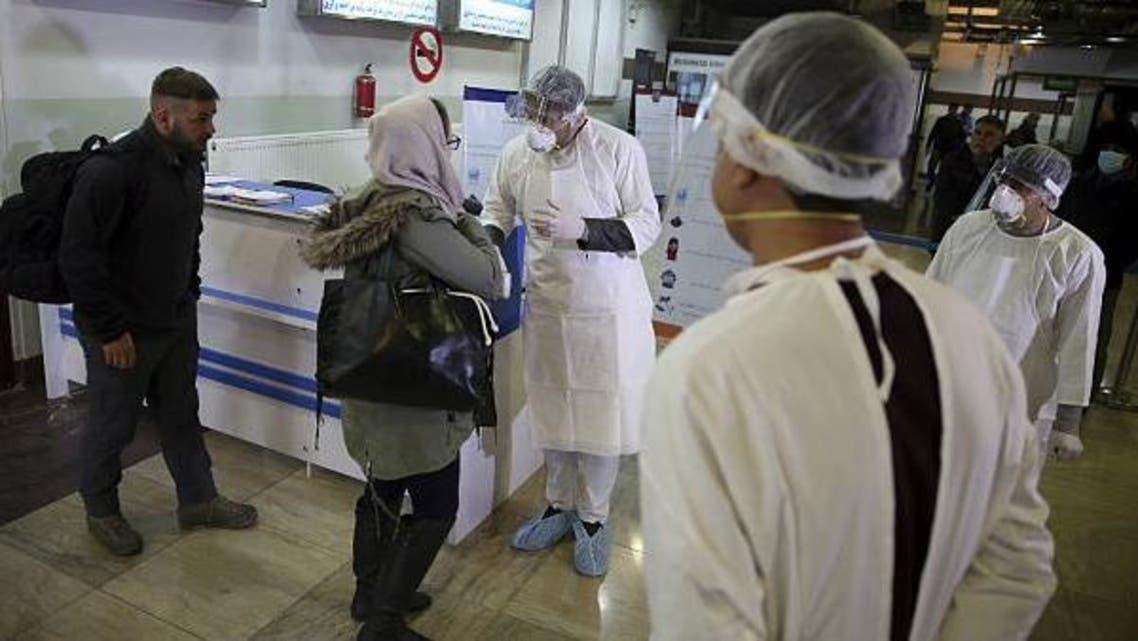 شمار مبتلایان به ویروس کرونا در افغانستان نزدیک به یک هزار نفر رسید