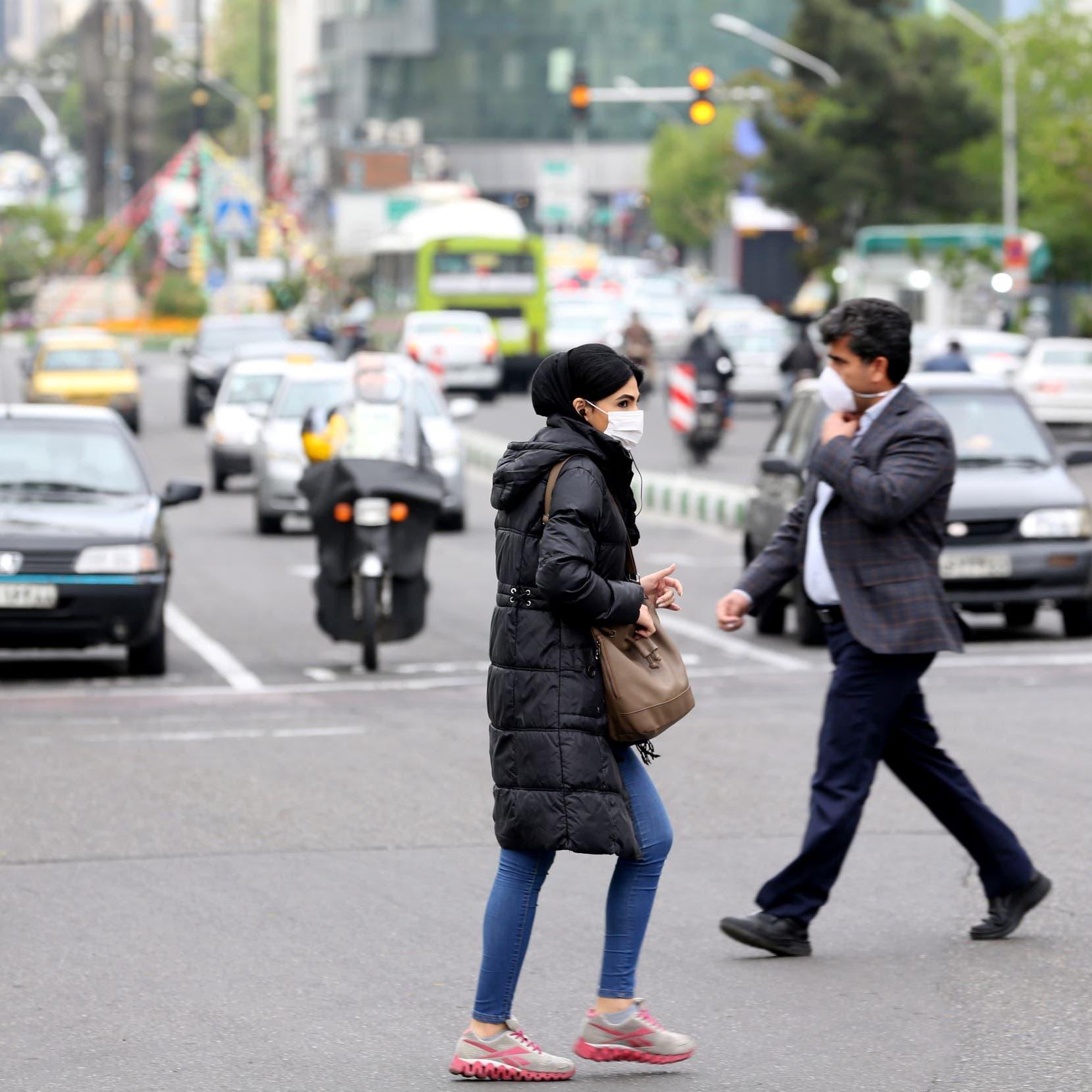 تراهن على تخطي كورونا.. طهران تفتح طرقاً سريعة وأسواقاً