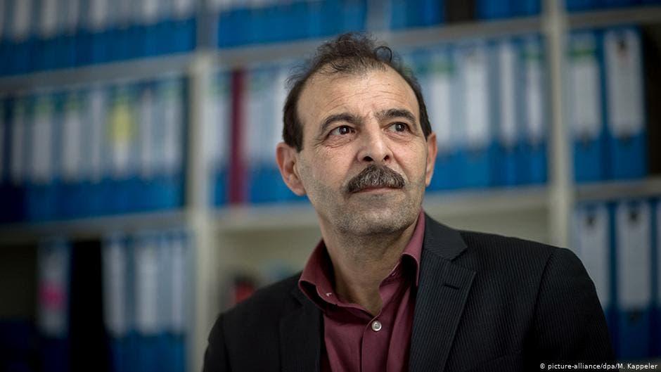 أنور البني، رئيس المركز السوري للدراسات والأبحاث القانونية.