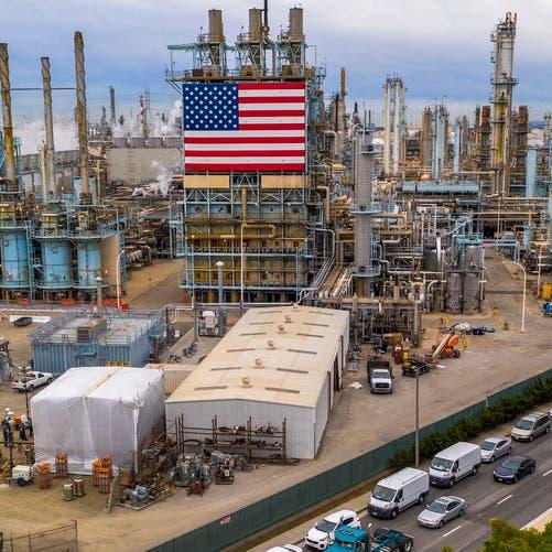 هل يواجه خام برنت نفس مأزق انهيار أسعار النفط الأميركي؟