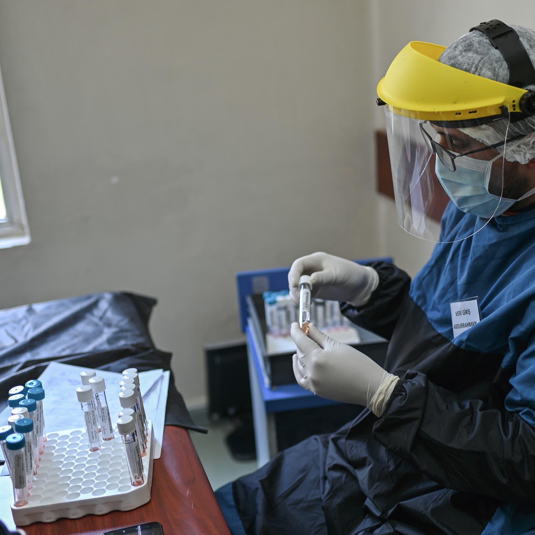 كورونا يدق باب الرعاية الصحية بتركيا.. إصابة 3474 عاملا