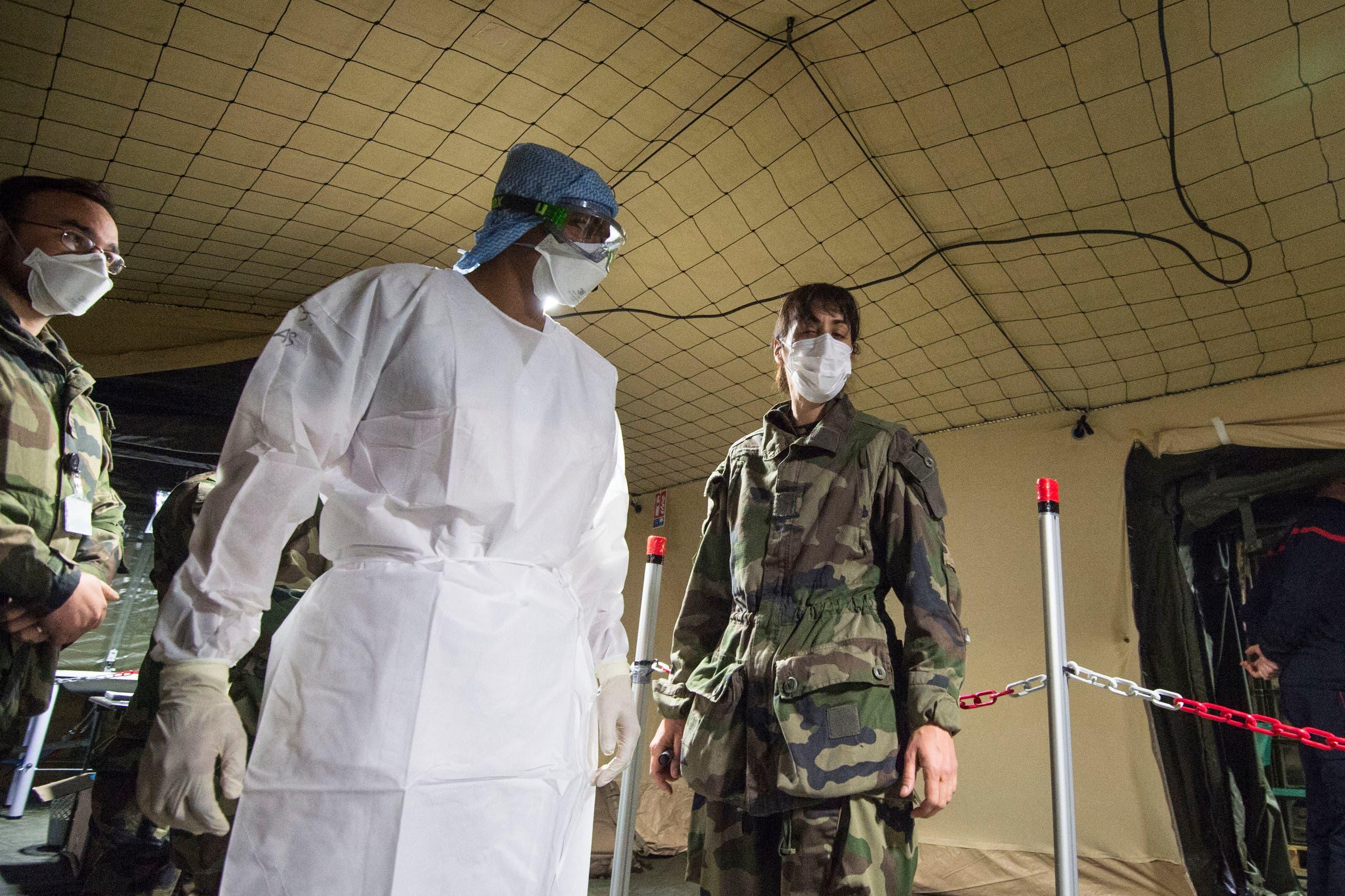 من المستشفى الميداني العسكري الذي أنشأه الجيش في مولوز