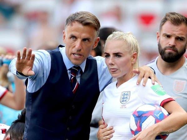 نيفيل يقرر الرحيل عن سيدات إنجلترا