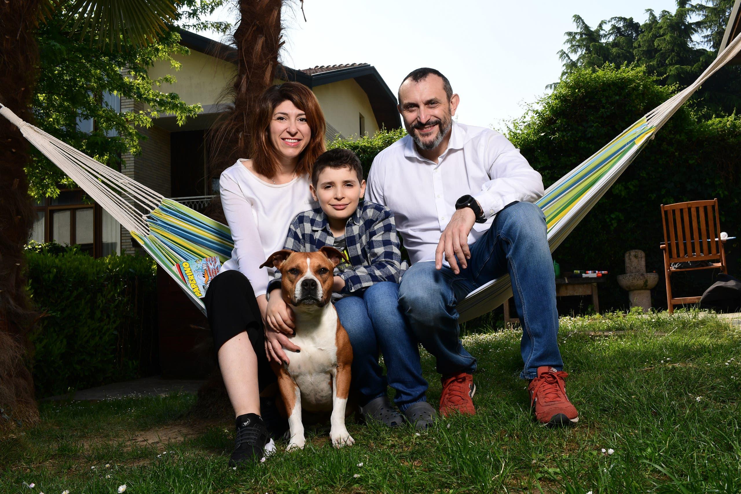 لوبو مع والديه