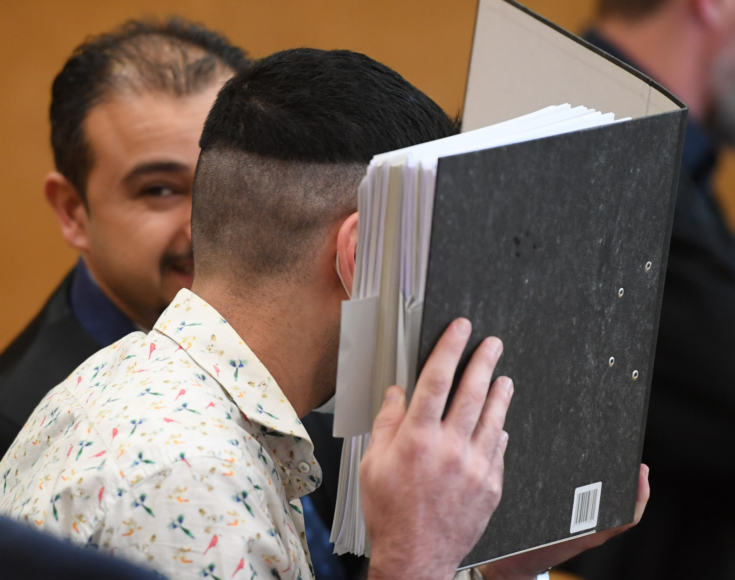 طه الجميلي أثناء المحاكمة في فرانكفورت(فرانس برس)