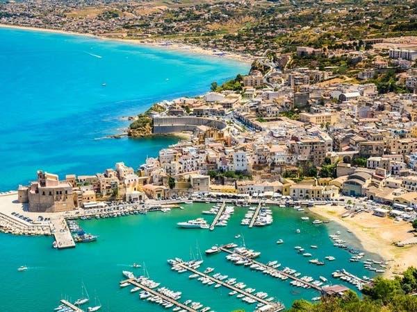 جزيرة إيطالية تتحمل تذاكر الطيران والإقامة لجذب السياح