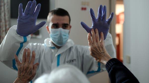 """الصحة العالمية تتعثر.. وتصحح لغطاً حول """"جوازات الحصانة"""""""