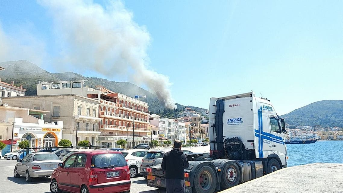 یونان؛ 200 پناهجو براثر آتشسوزی در یکی از اردوگاههای پرازدحام بیسرپناه شدند