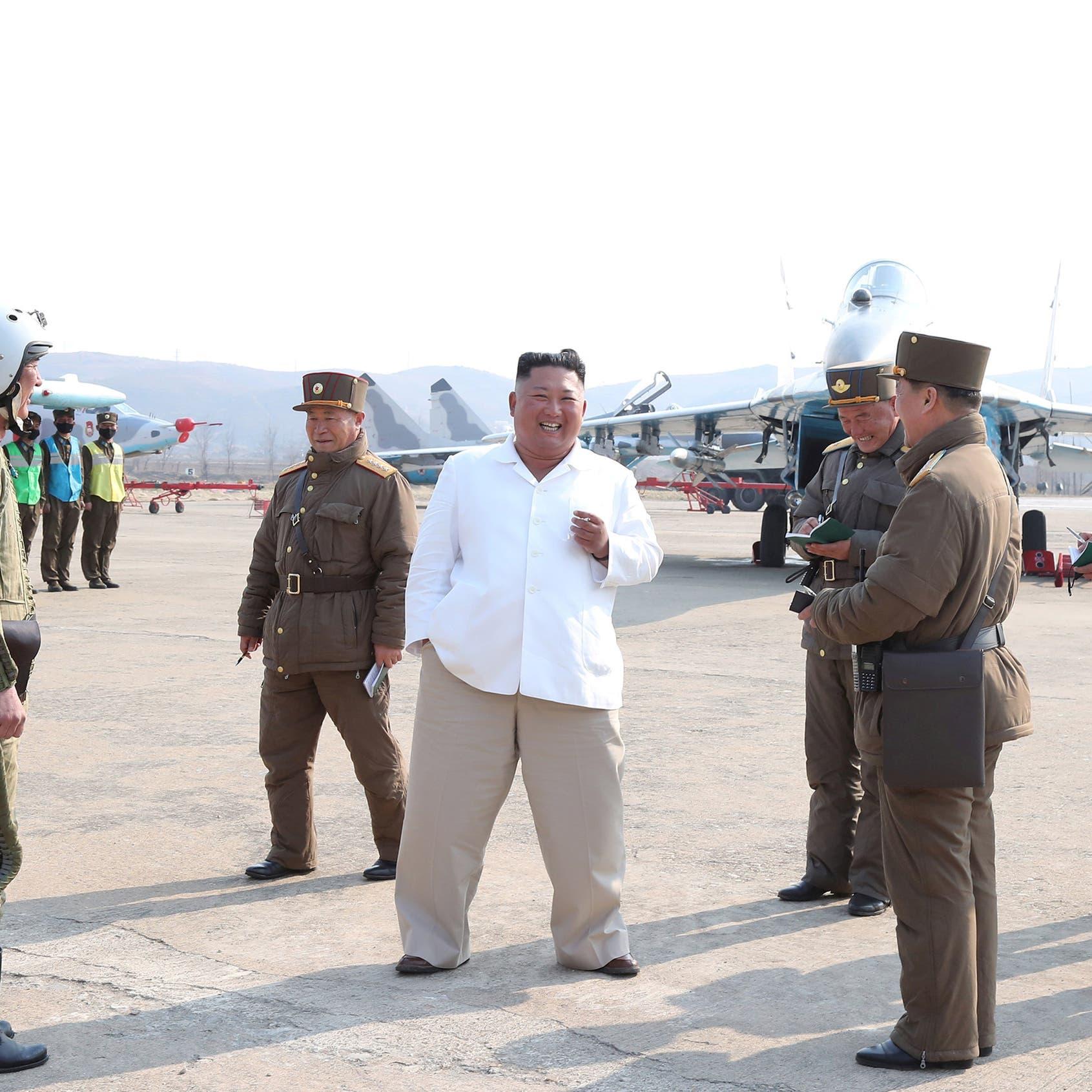 صور لزعيم كوريا طفلاً.. مراهق شرس يركل ويبصق على زملائه