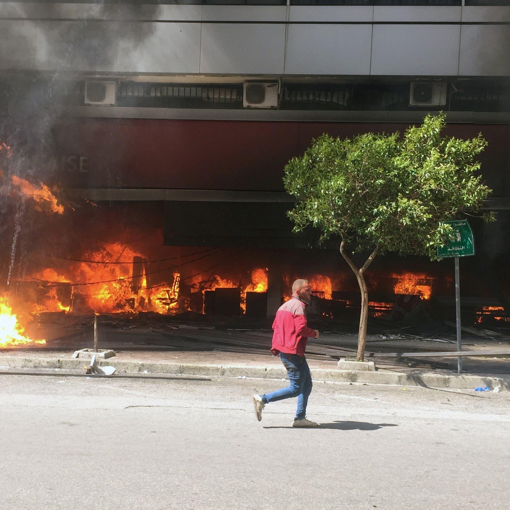 لبنان.. هدوء حذر في طرابلس بعد اشتباكات بين الأمن ومحتجين