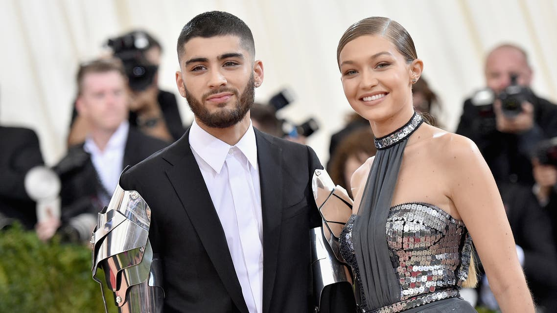 Zayn Malik (L) and Gigi Hadid attend the Manus x Machina: Fashion In An Age Of Technology Costume Institute Gala at Metropolitan Museum of Art on May 2, 2016 in New York City. (AFP)