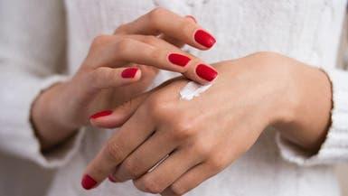 هكذا تحمين يديكِ من ظهور التجاعيد المبكرة عليها