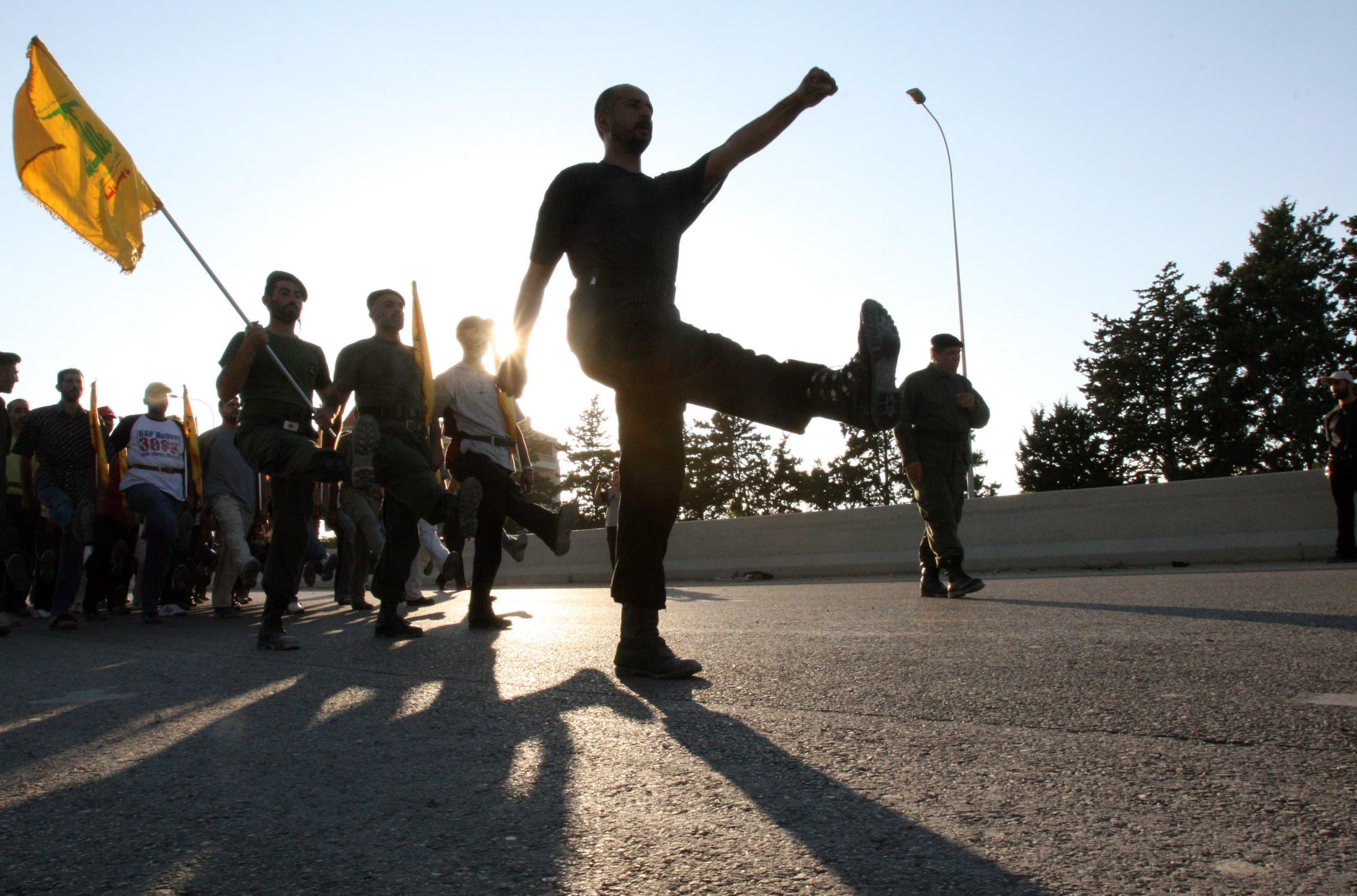 من مسيرة سابقة لحزب الله جنوب لبنان (أرشيفية- رويترز)