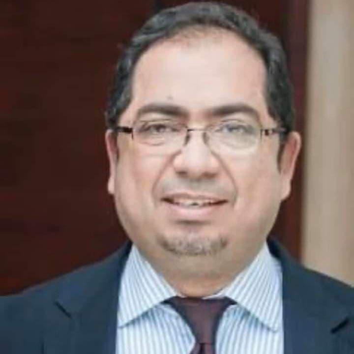 وفاة أشهر أطباء الأطفال في مصر بكورونا.. وزوجته تصارع