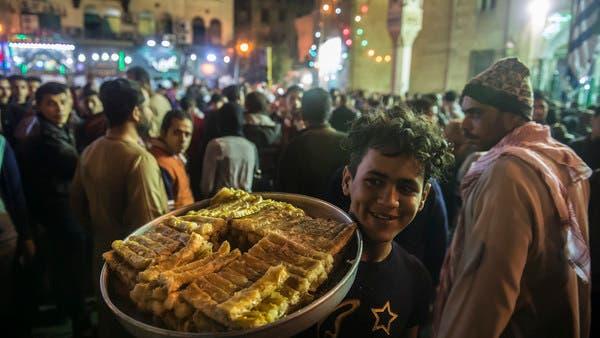 مصر تدرس تحديد مواعيد لفتح وغلق المحلات بعد كورونا