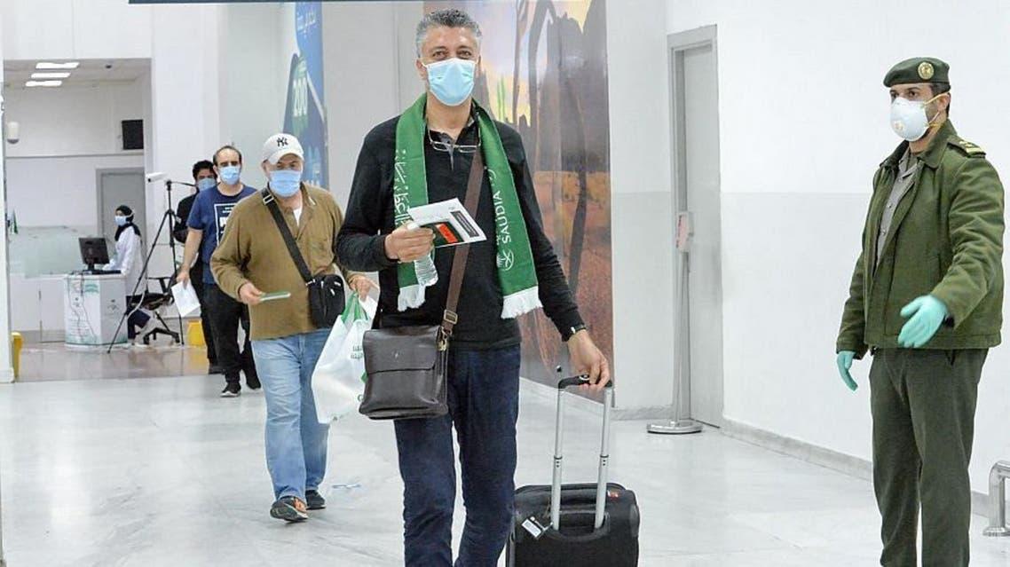 Saudi Arabian citizens arriving in Jeddah from Sudan and Tunisia. (SPA)
