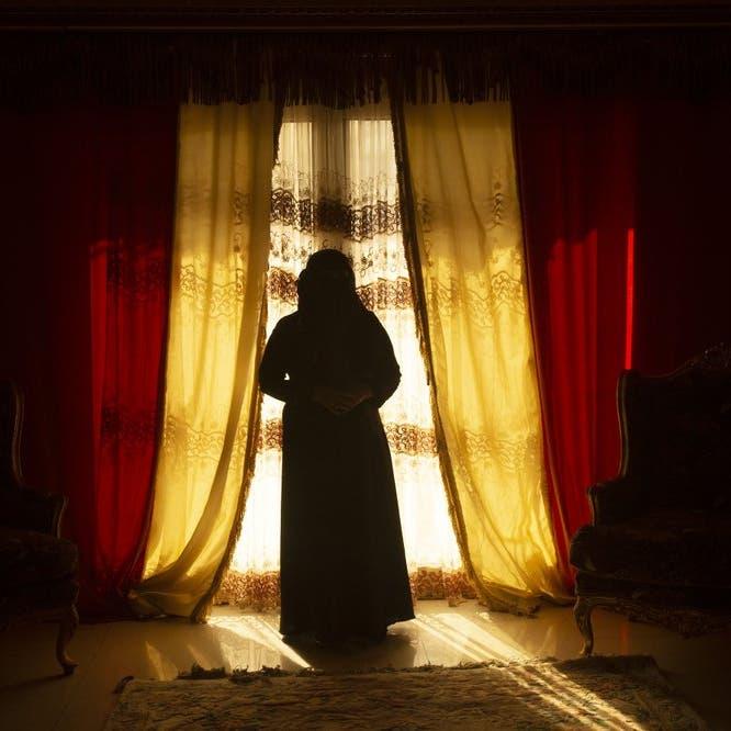 معتقلة سابقة تكشف: فظائع أقبية الحوثي ودور الزينبيات