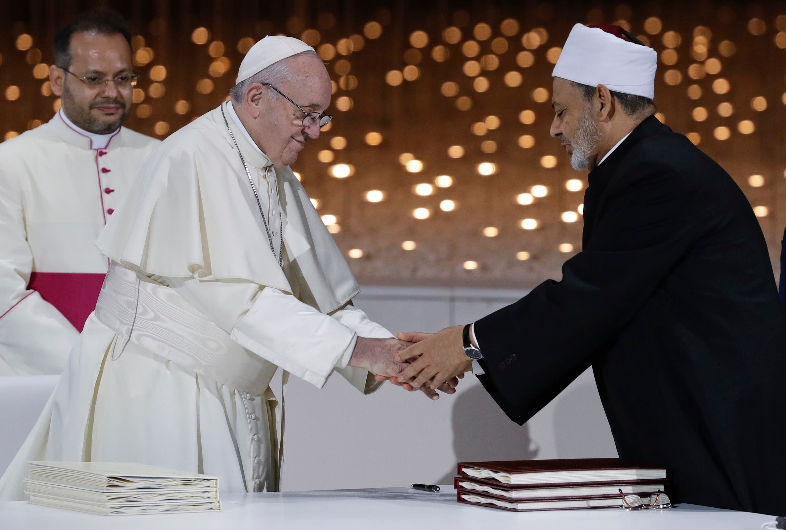 Pope Francis greets Sheikh Ahmed el-Tayeb, the grand imam of Egypt's Al-Azhar, in Abu Dhabi, United Arab Emirates on Feb. 4, 2019.  (AP)