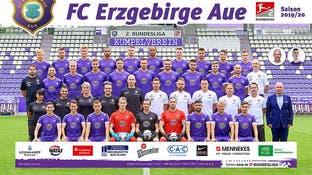 همه اعضای یک تیم فوتبال آلمانی به قرنطینه رفتند