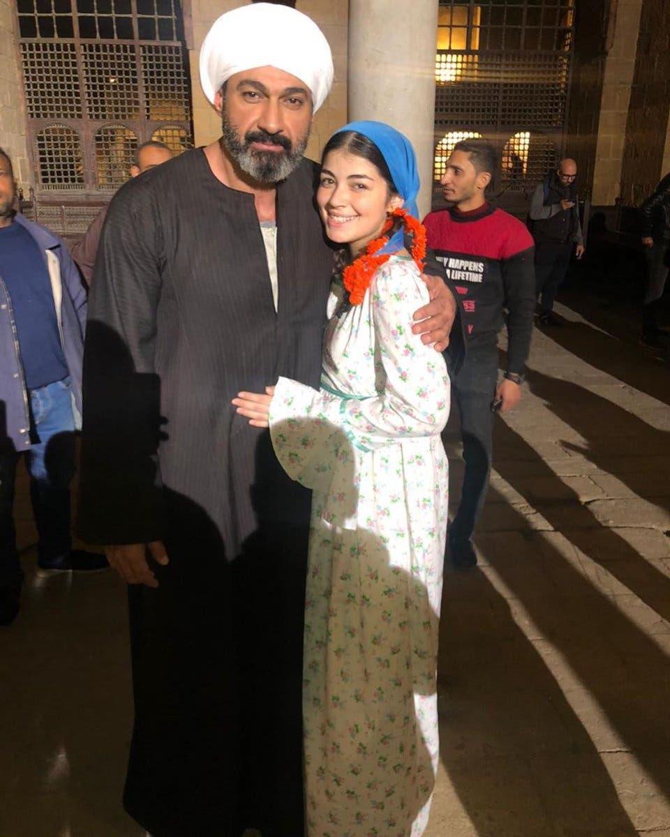 ابنة احمد زاهر في كواليس مسلسلها