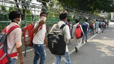 عشرات الهنود يفرون من مركز للحجر الصحي
