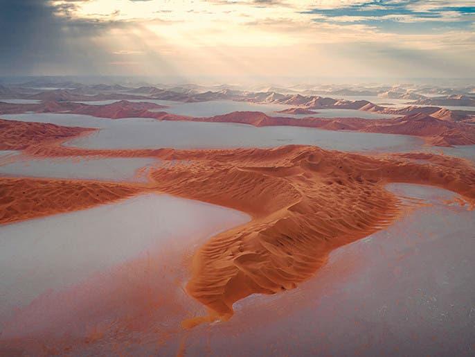 سبخة البحر الصافي في عُمان.. بلّورة من الملح تتوسط الصحراء