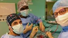 جراح سعودي ينجح بإزالة ورم دماغي لفتاة كويتية في فرنسا