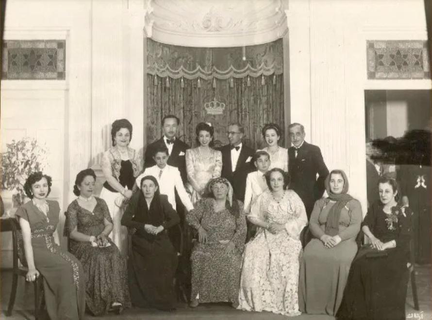 The Iraqi royal family. (Twitter, @NazliTarzi)