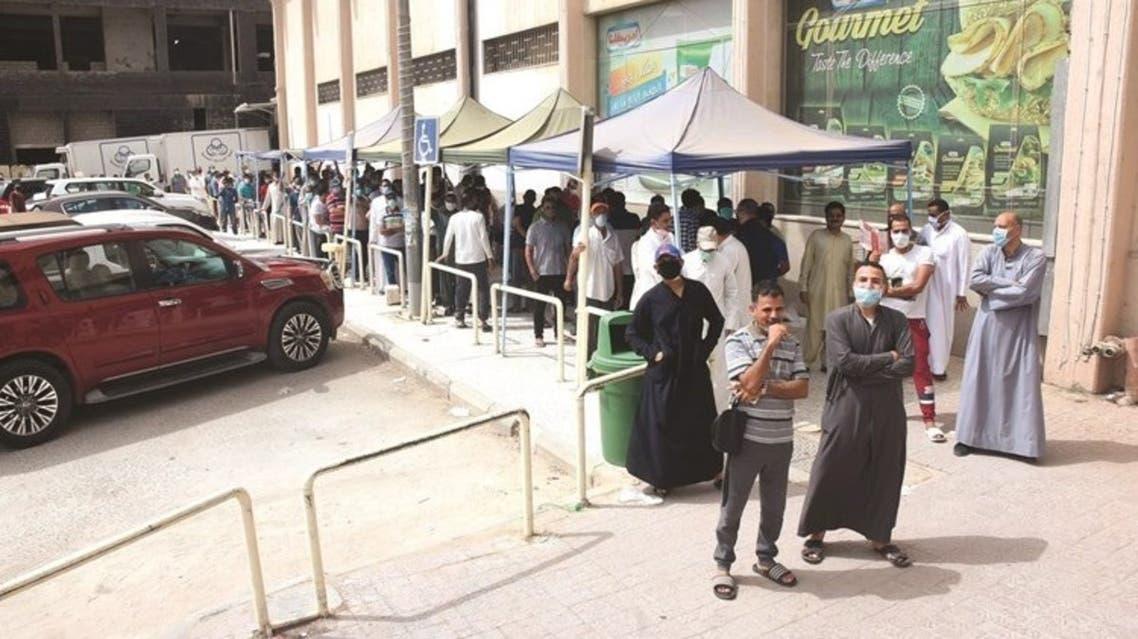 زحام في الكويت قبل تطبيق الحظر
