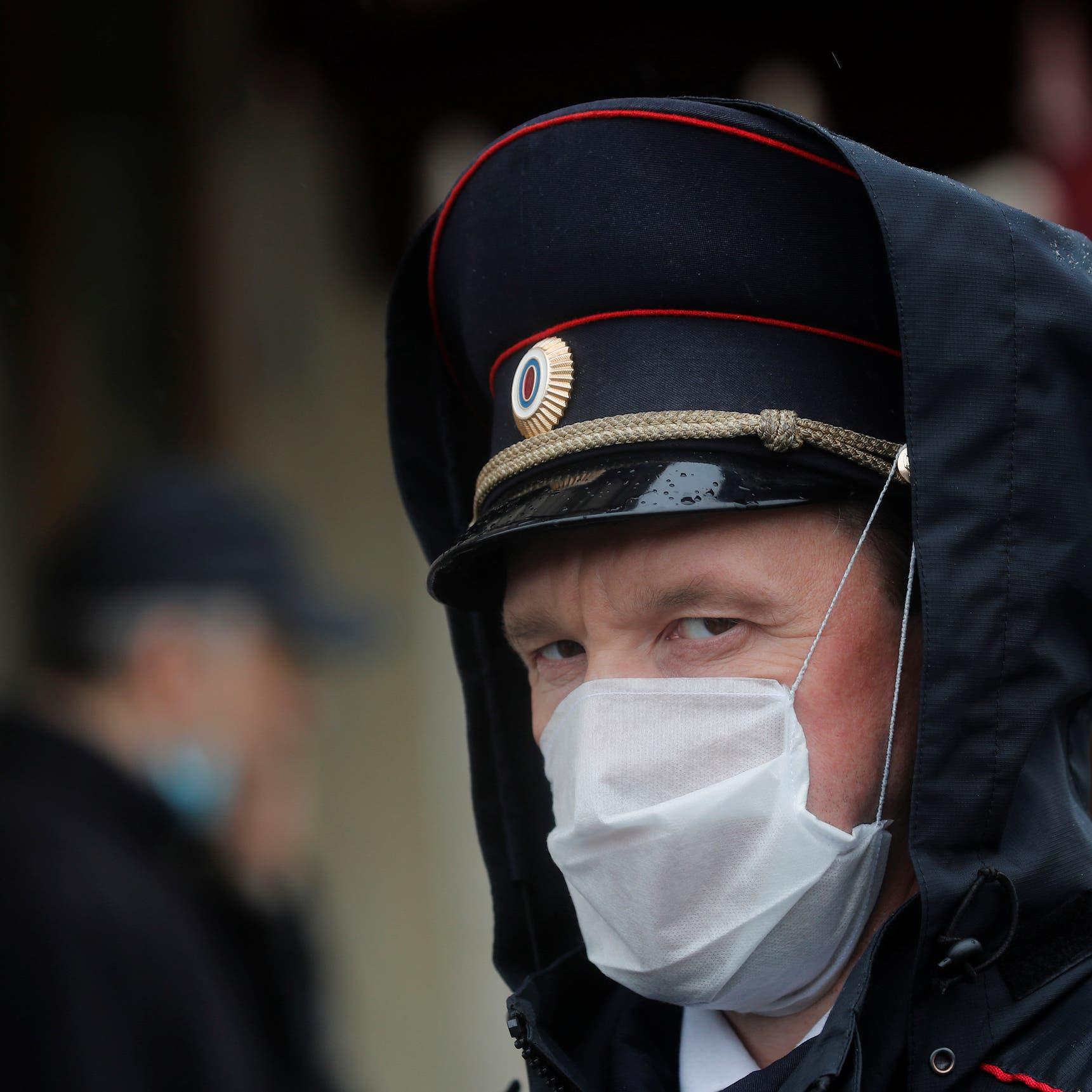 الوباء يتصاعد في روسيا.. الإصابات تتخطى 200 ألف