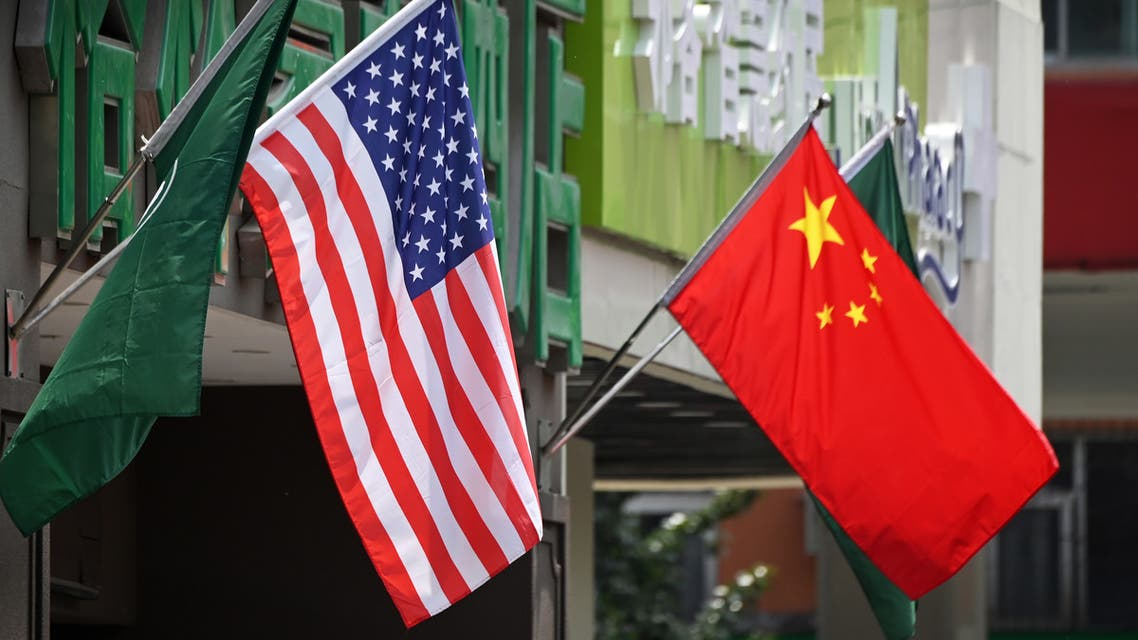 علما الصين وأميركا فوق أحد الفنادق في بكين (أرشيفية- فرانس برس)