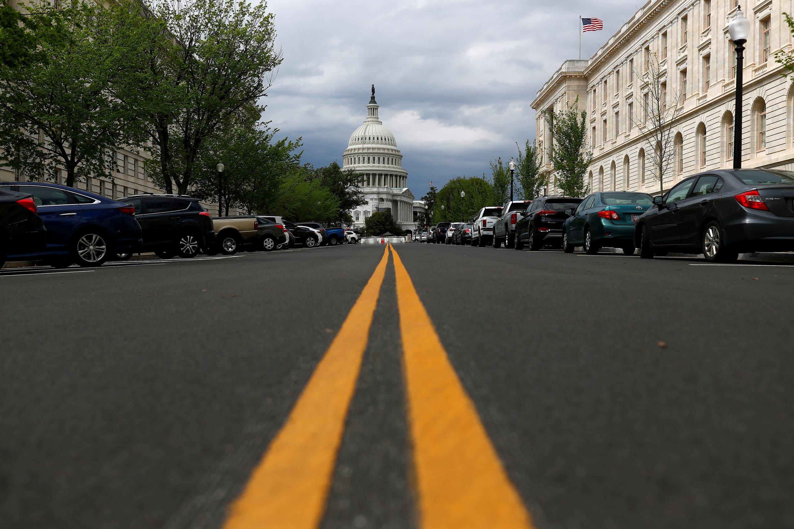 الكونغرس أقر بصعوبة خطة تحفيز بتريليوني دولار