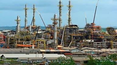 النفط قرب ذروة 5 أشهر بفضل خفض إنتاج أميركاوالمخزونات