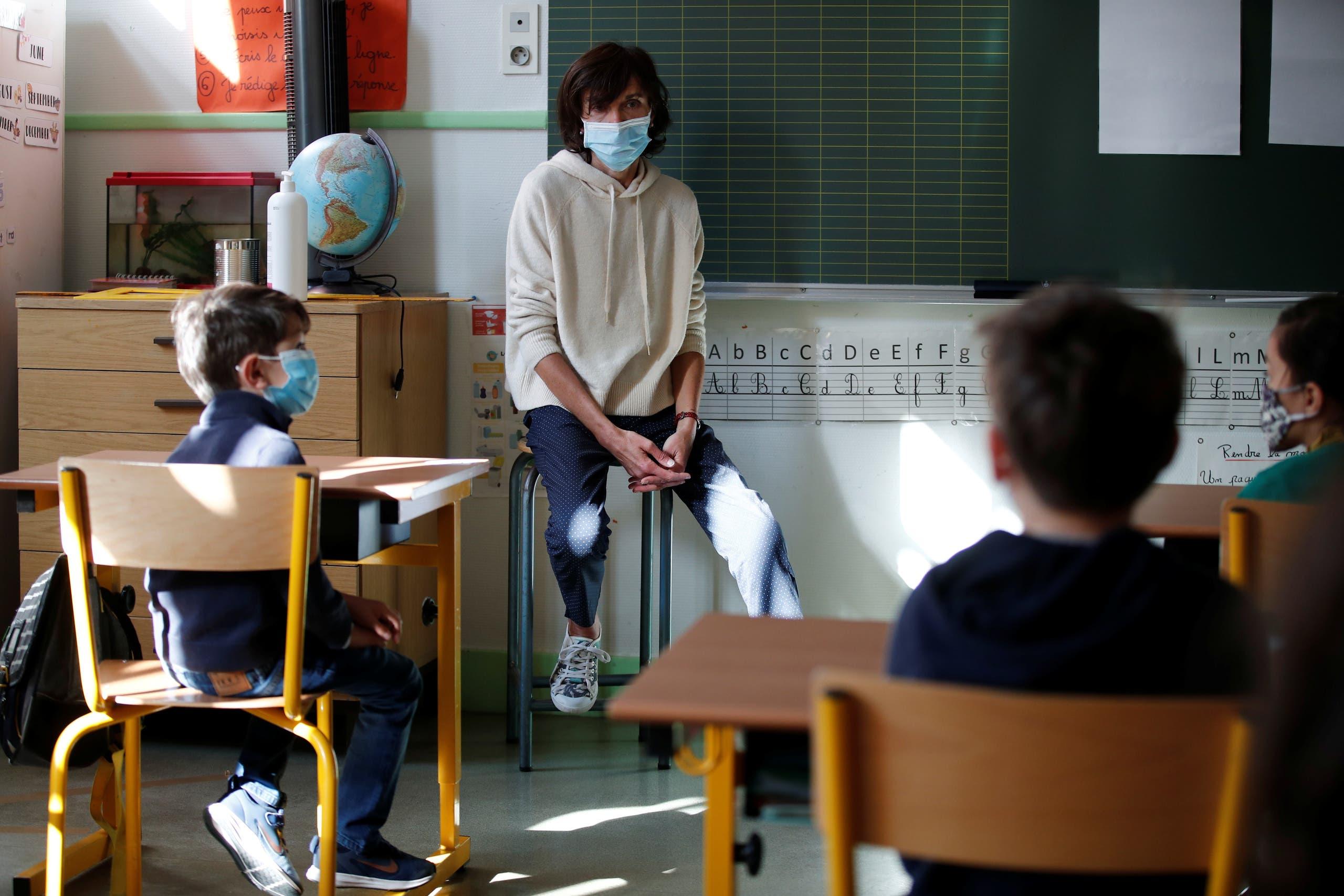 من مدرسة ابتدائية في باريس يوم 14 مايو