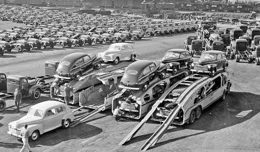 صورة لأحد مصانع السيارات الأميركية خلال الخمسينيات