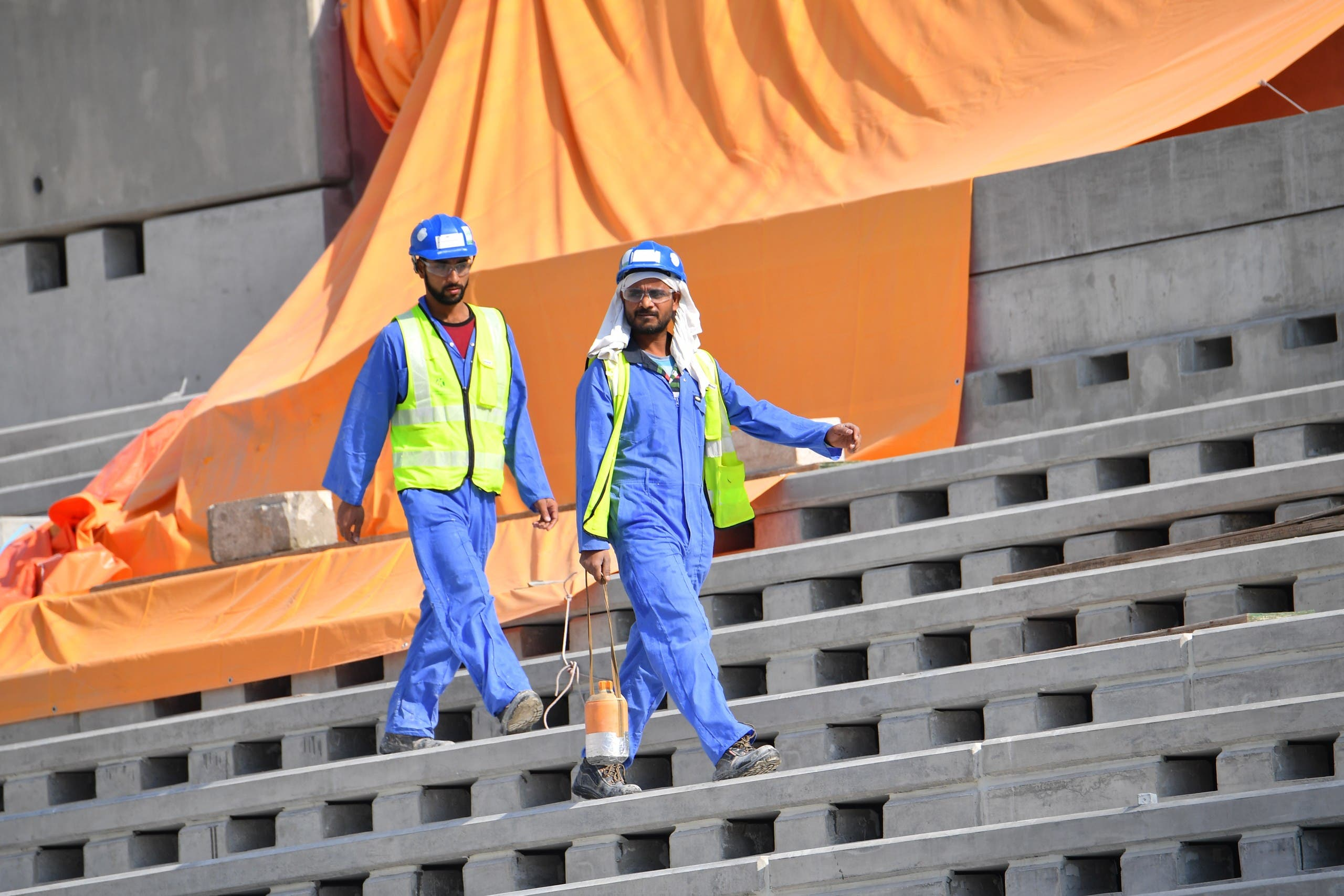 عمال في قطر (أرشيفية- فرانس برس)