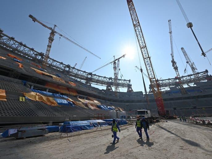 قطر.. 1102 إصابة كورونا بين عمال مشاريع كأس العالم