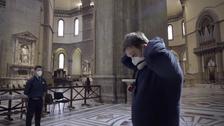 اٹلی کے چرچ میں سماجی فاصلوں پر عمل درآمد کے منفرد ڈیوائس ایجاد