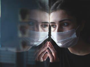 الصحة العالمية: قد لا يكون هناك حل لكورونا