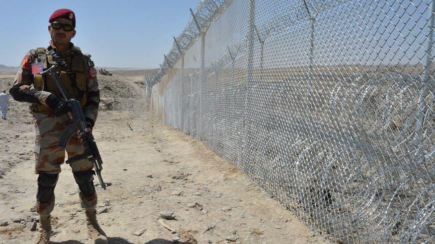 پاک افغان سرحد پردہشت گردوں کا حملہ ، ایف سی کے 4 جوان شہید ،6 زخمی