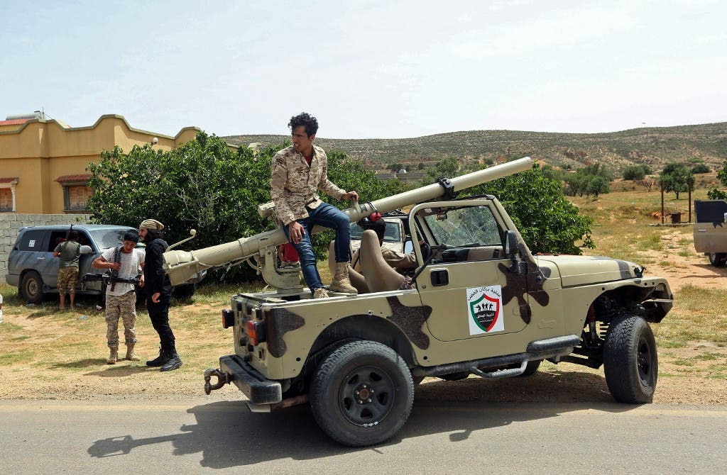 عناصر تابعة لقوات الوفاق